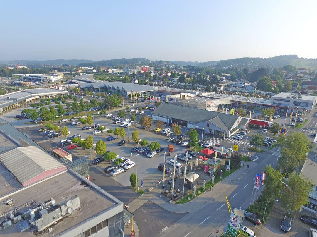 Das Gleisdorfer Einkaufszentrum von oben