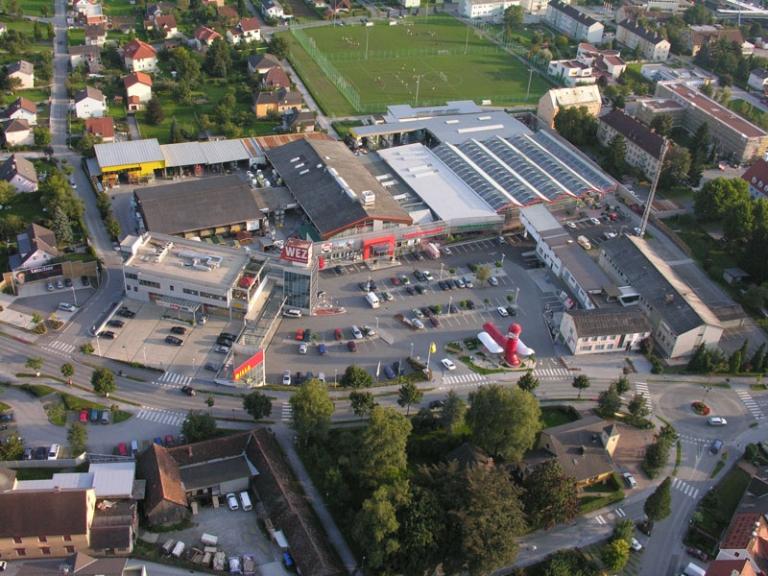 Das Weizer Einkaufszentrum von oben